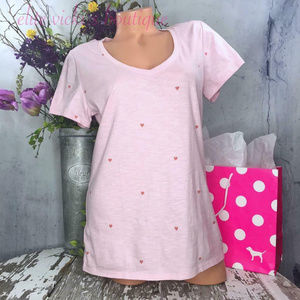 PINK SHORT SLEEVE PERFECT V-NECK TEE Rose Hearts